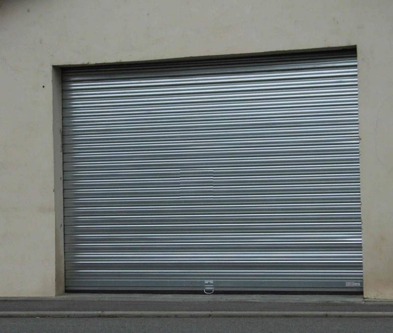 Portes de garage m tallique martigues et bouches du for Porte metallique de service